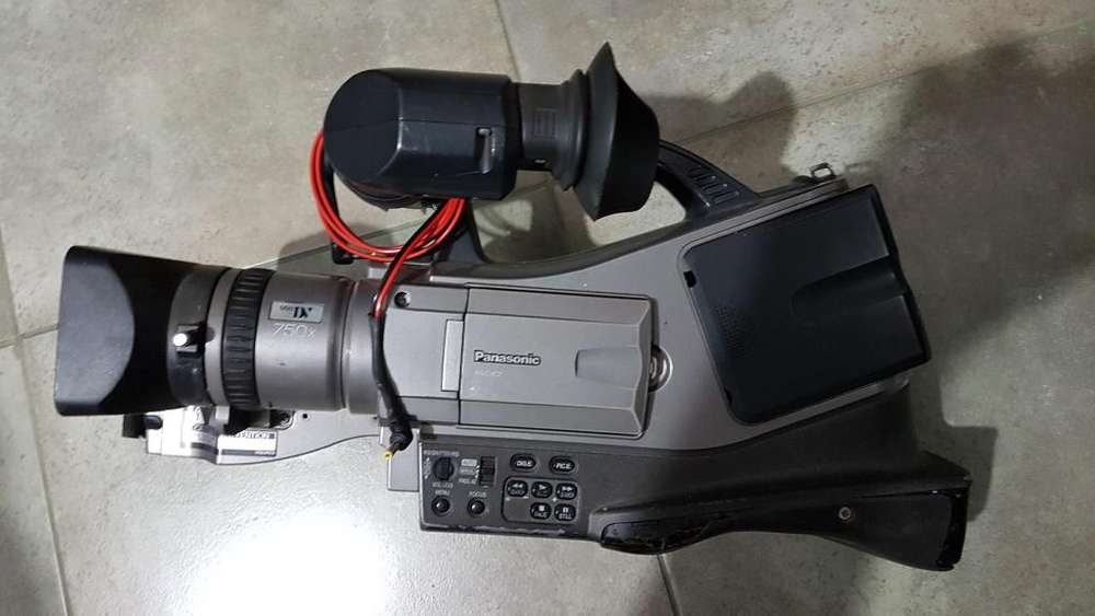 Filmadora mini dv <strong>panasonic</strong> AG DVC7.
