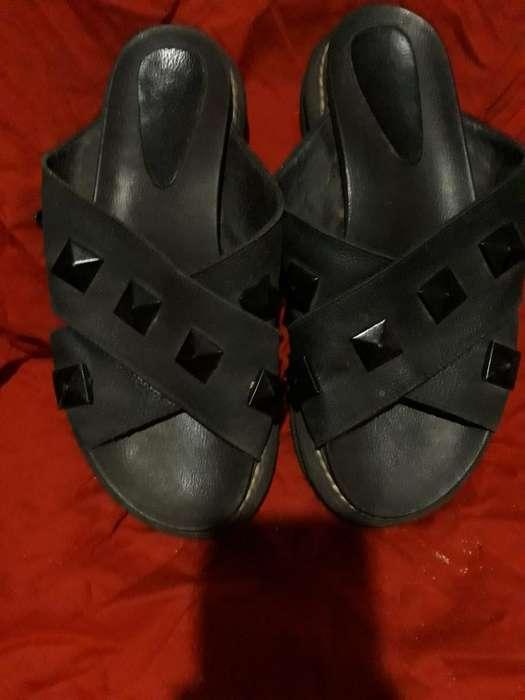 Sandalias N 40 de Cuero