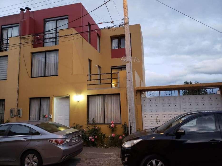 Casa En Venta en Carcelen Norte De Quito Cod: V111