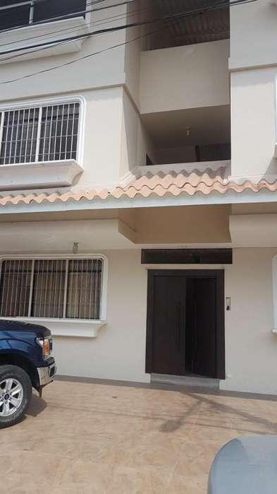 Departamento de Venta en Cdla. Alamos Norte, Norte de Guayaquil, cerca del CC City Mall