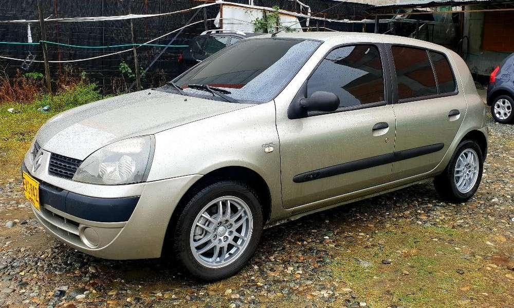 Renault Clio  2006 - 92000 km