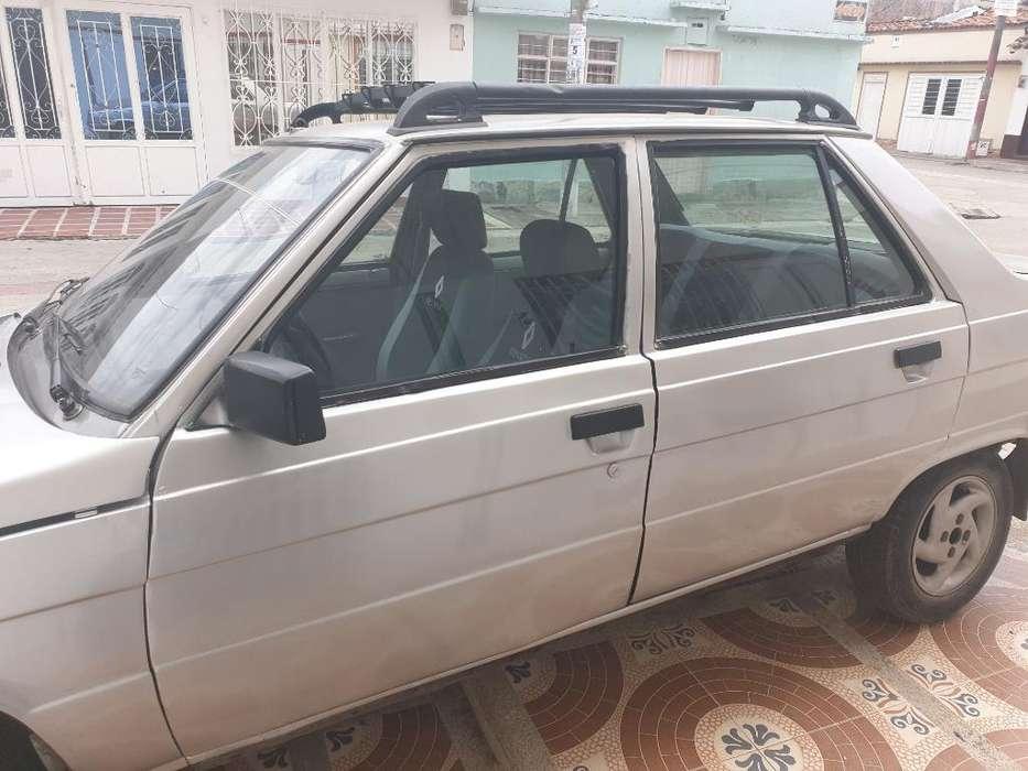 Renault R9 1996 - 852 km