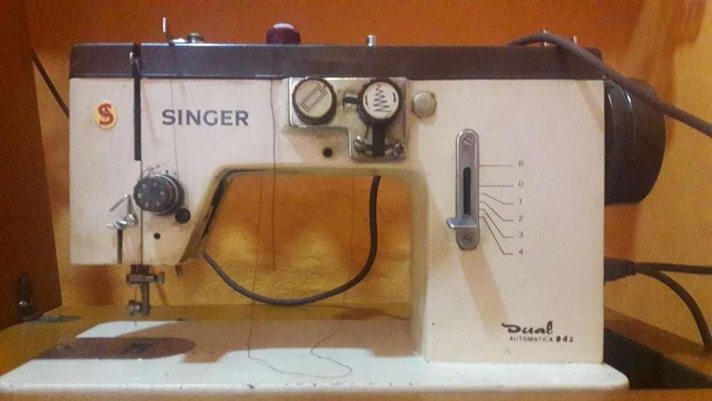 Máquina de Coser Singer Dual 822