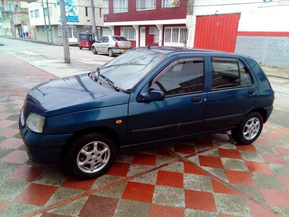 Renault Clio  1998 - 210000 km
