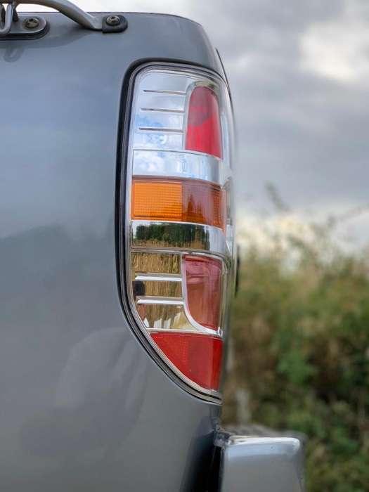 Vendo Mazda 2013 4x2 Flamante Único Duen