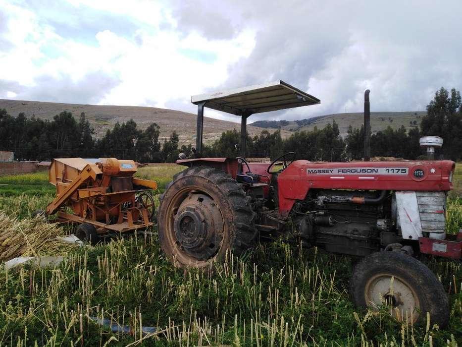 Vendo Tractor con Trilladora Estacionari