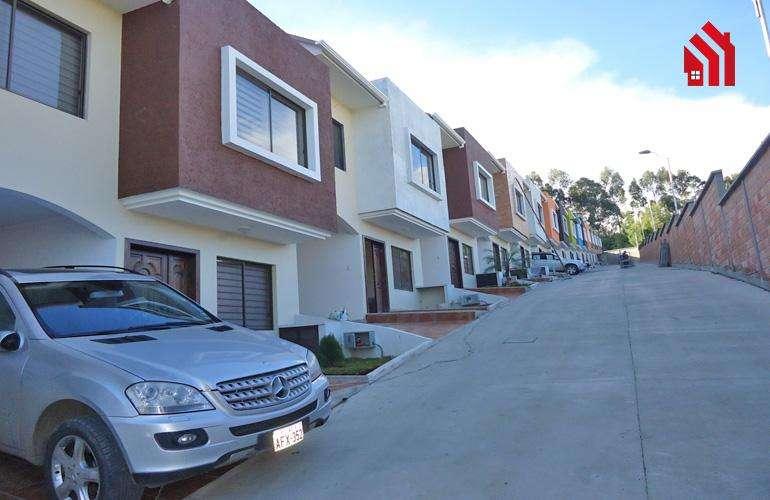 P1001 Última Villa Dentro de Condominio en Venta San Pedro del Cebollar 87.500