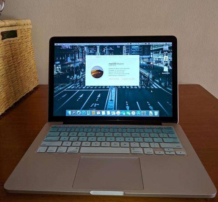 Negociable. Macbook Pro 2015 Retina 8Gb RAM COMO NUEVO. Entrego personalmente.
