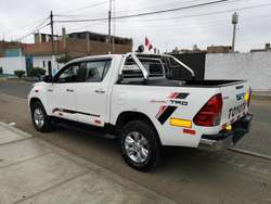 TOYOTA HILUX 2016 SRV 4X4 FULL AUTOMATICA SECUENCIAL