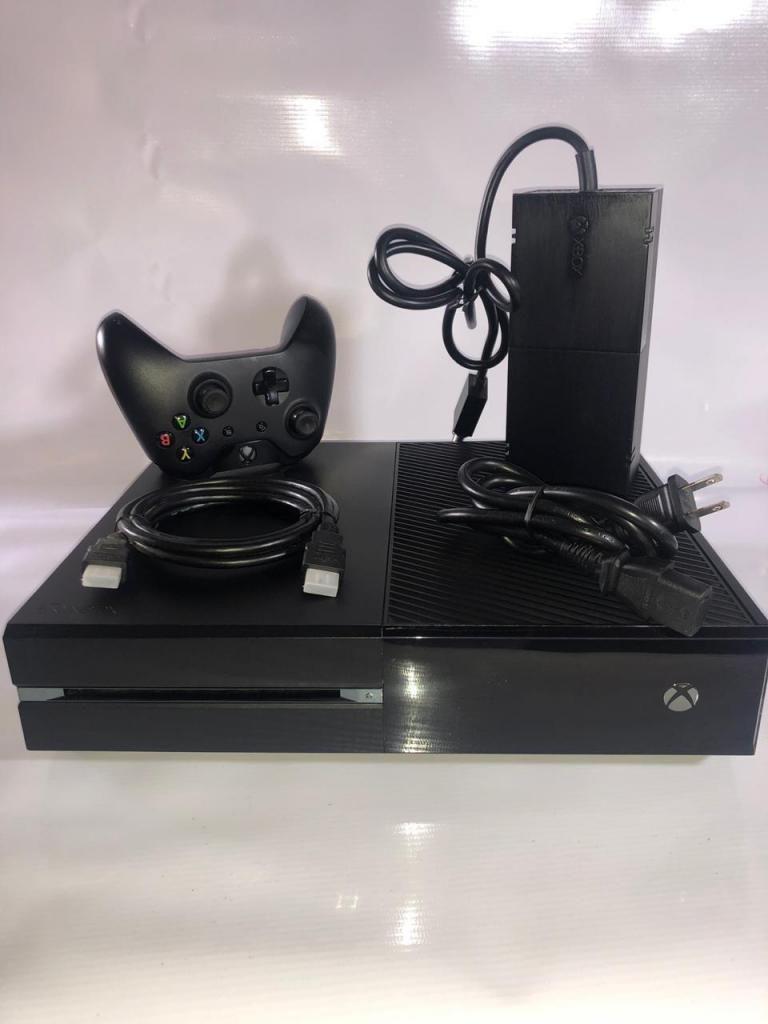 Consola Xbox One Fat de 500GB, garantía de 3 meses.