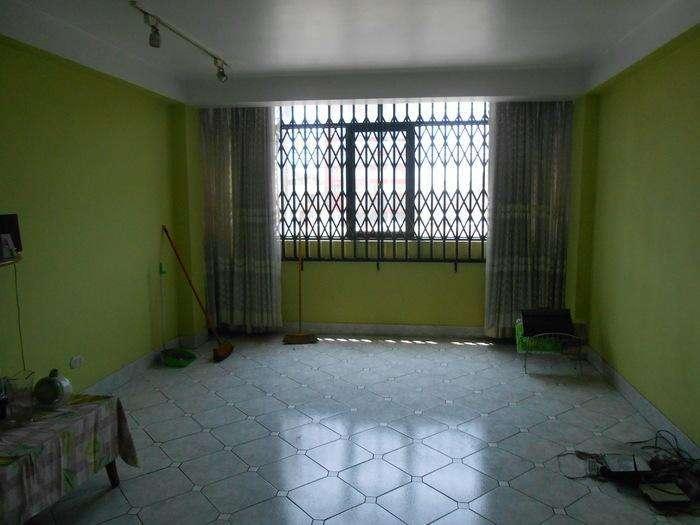 LOCAL COMERCIAL EN VENTA AC 214 m2, EN PLENA AV. IQUITOS. 5 PISOS