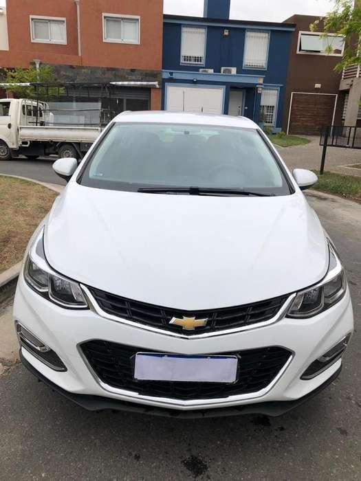 Chevrolet Cruze 2018 - 18400 km