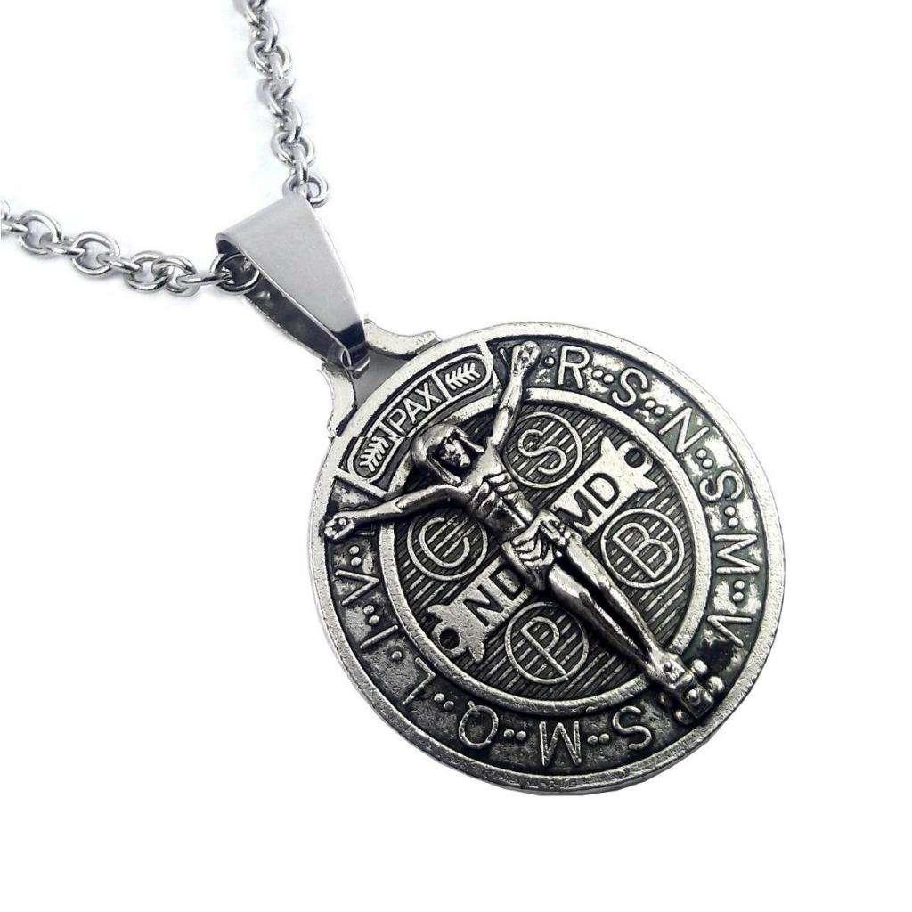 Medalla de San Benito con cadena de acero quirúrgico