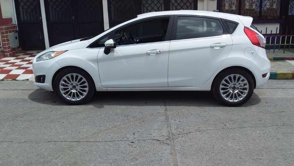 Ford Fiesta  2015 - 52000 km