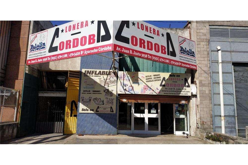 En Venta Galpón comercial dpto barrio Ayacucho