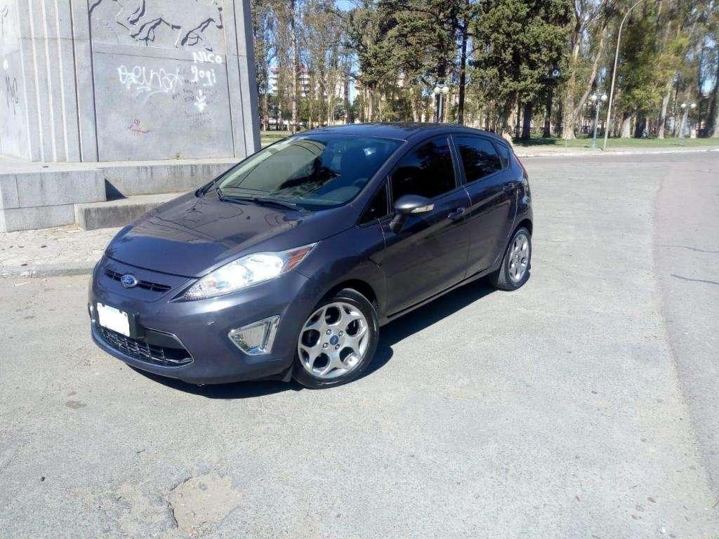 Ford fiesta TITANIUM NUEVO! 86.000km 2012 PERMUTO o CONTADO