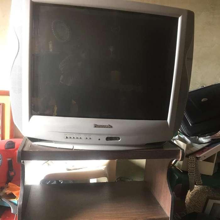 Venta Televisor Y Mesa