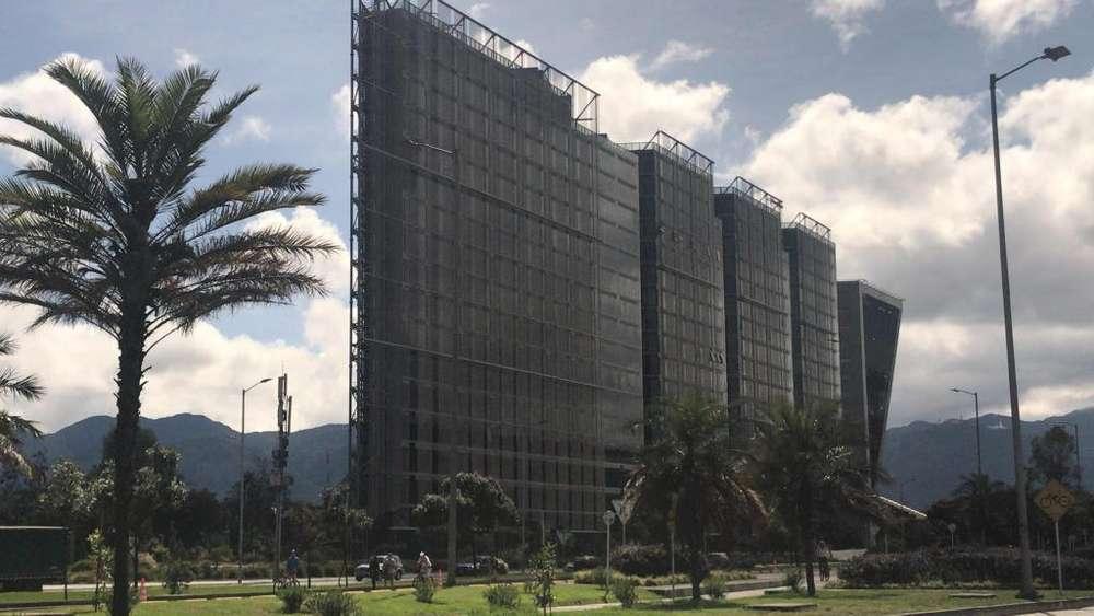 Oficina en Arriendo en Centro Empresarial Elemento. Av El Dorado
