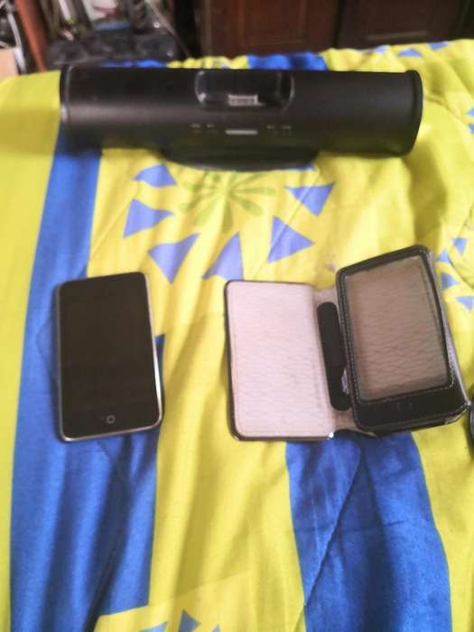 <strong>ipod</strong> Touch 32 Gb, con Estuche Y Parlante