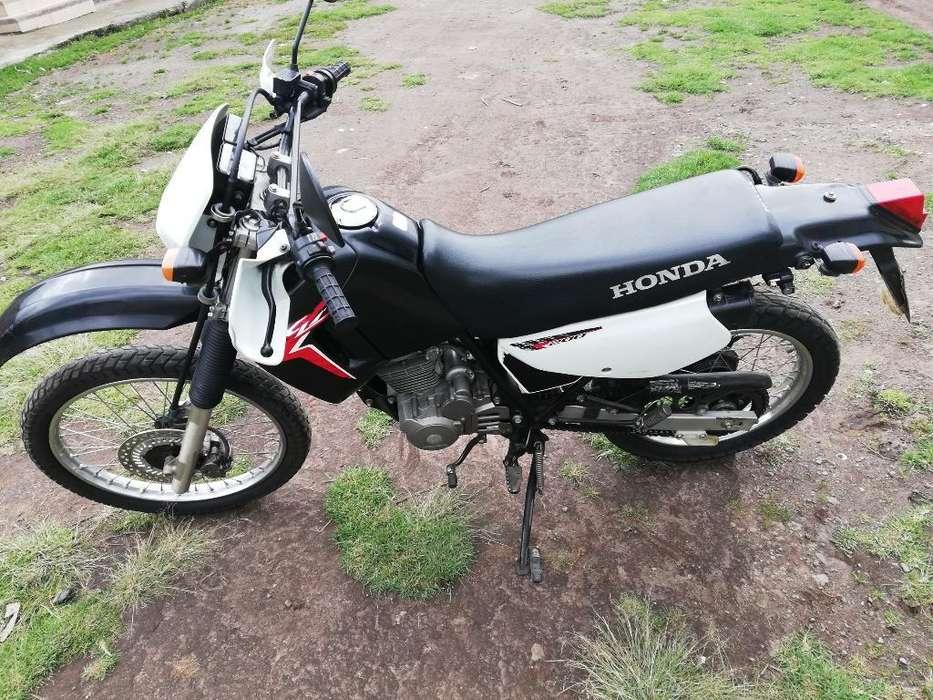 Vendo Moto <strong>honda</strong> Xl 200 Año 2015