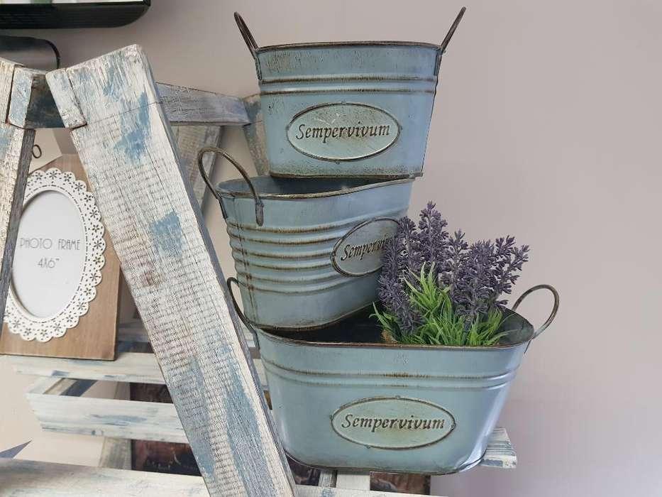 Vendo Jardinera Azul Claro Setx3