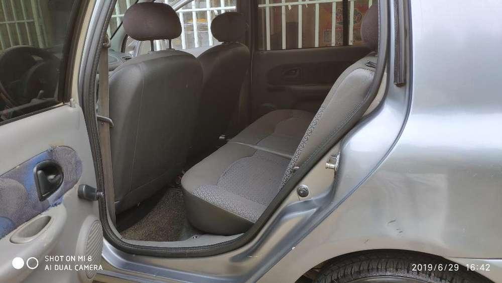 Renault Clio  2002 - 166464 km
