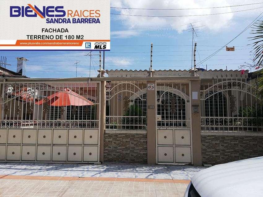 Se vende excelente Villa en La Alborada II 3 dormitorios baño c/u