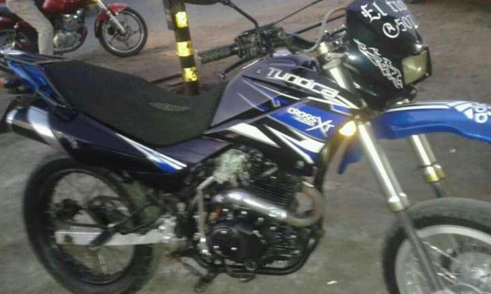 Vendo Moto Ractor 250 en Buem Estado
