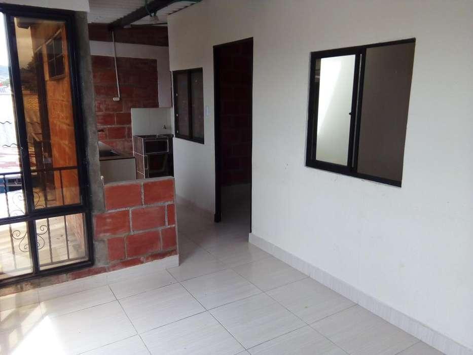 Arrendo Casa con Apartamento interno