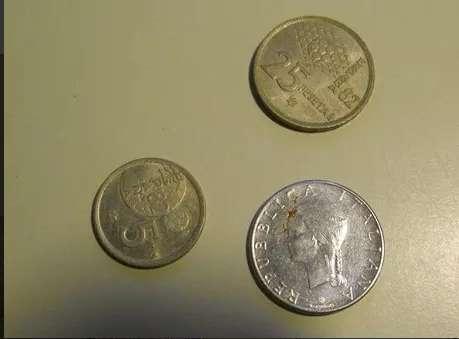 Antiguo lote una lira y dos pesetas