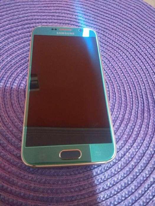 Samsung S6 SIN CON 4 FUNDAS, AURICULARES Y CARGADOR.
