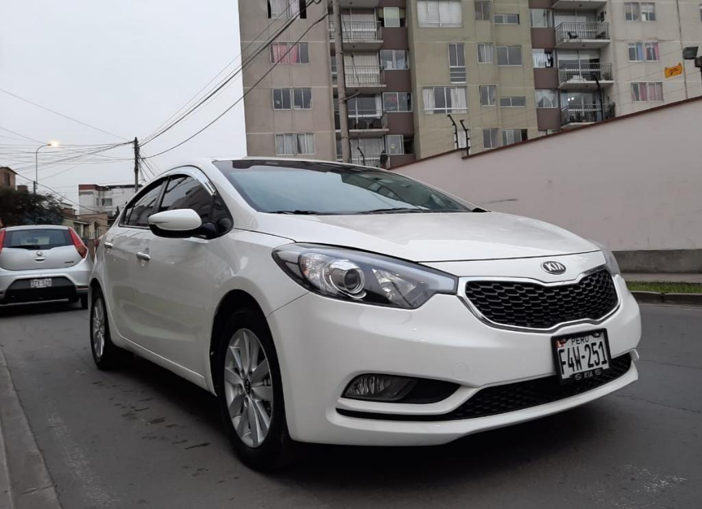 Kia Cerato Mecánico 2014 Full Sedan