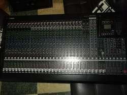 Consola Yamaha Mgp32x