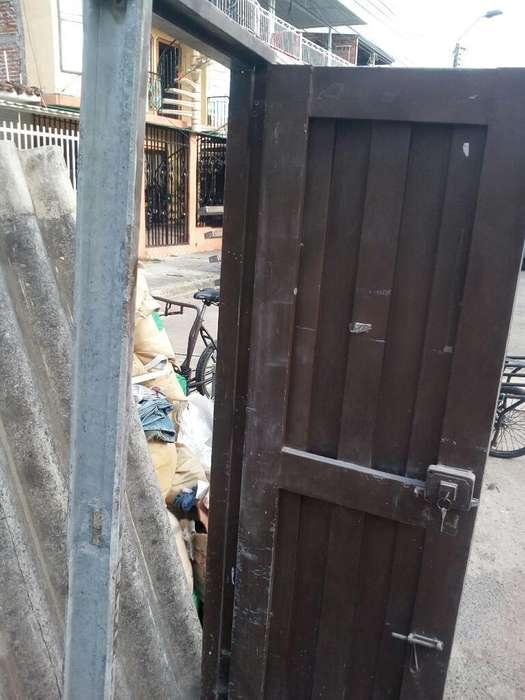 Puerta Metalica Ojo Cali