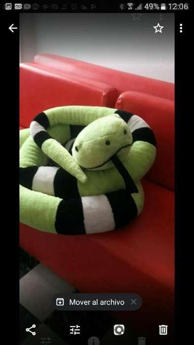 Hermosa Serpiente de Peluche Excelente C