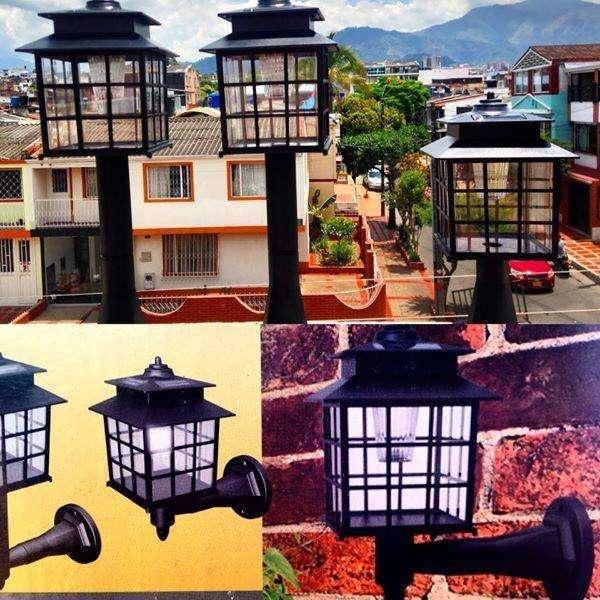 Lámparas decorativas tipo farol que se recargan con energía solar