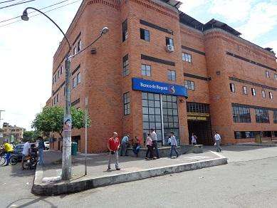 VENDO LOCAL, CENTRO COMERCIAL LOS COMUNEROS NEIVA 16.500.000 INF 318 735 27 78
