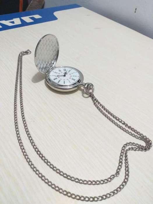 Reloj de Bolsillo Plateado Clásico