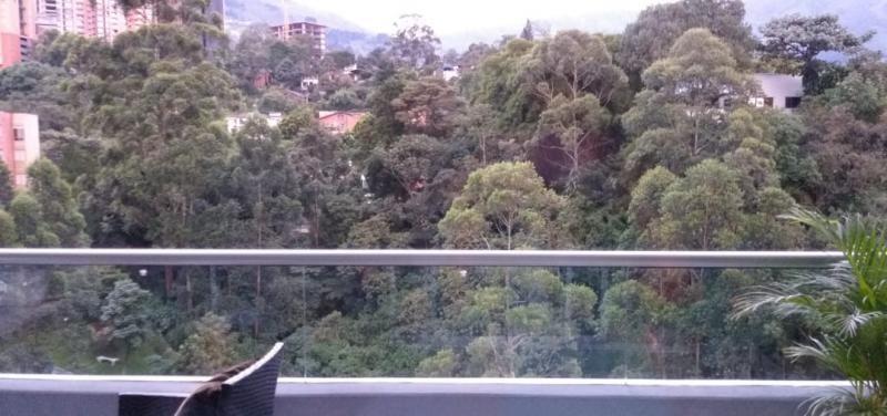 Apartamento En Venta En Envigado Loma Las Brujas Cod. VBBER1084