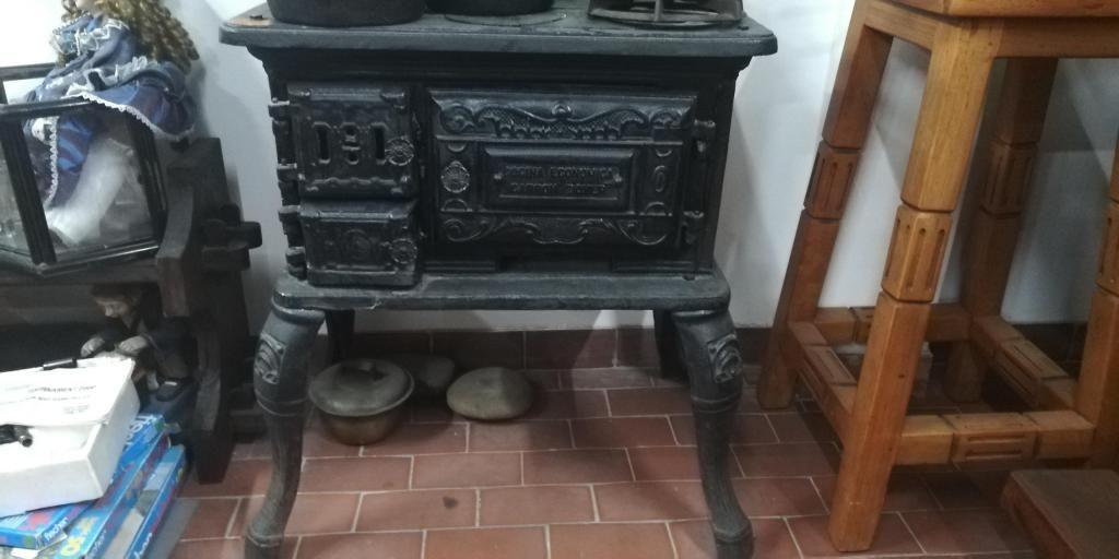 Cocina De Carbón Antigua Venta O Cambio
