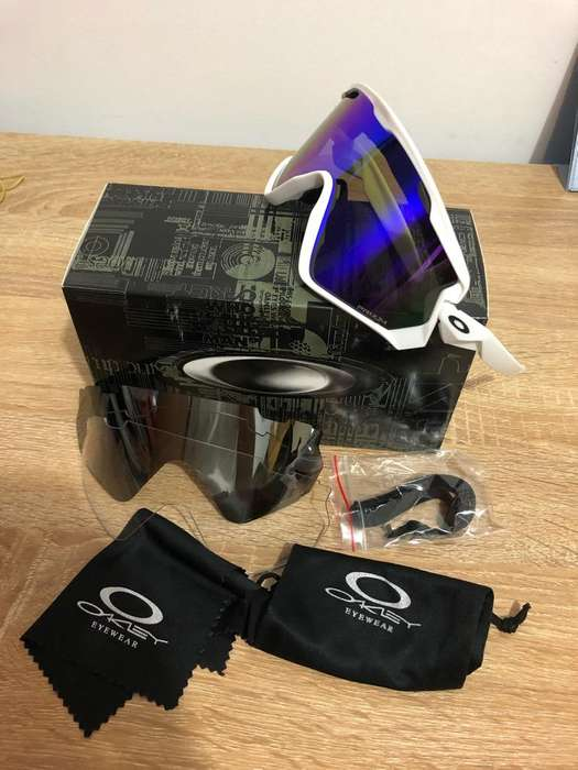 6a9daf325a Oakley - Colombia P-3