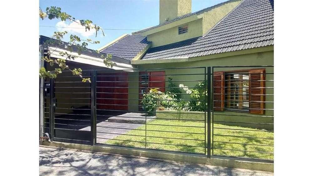 Raul Casariego 4400 - UD 170.000 - Casa en Venta