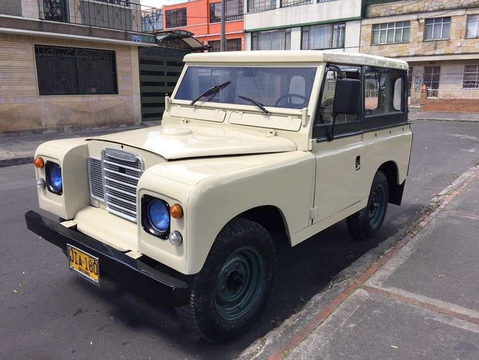 Land Rover Santana 1974 - 200000 km