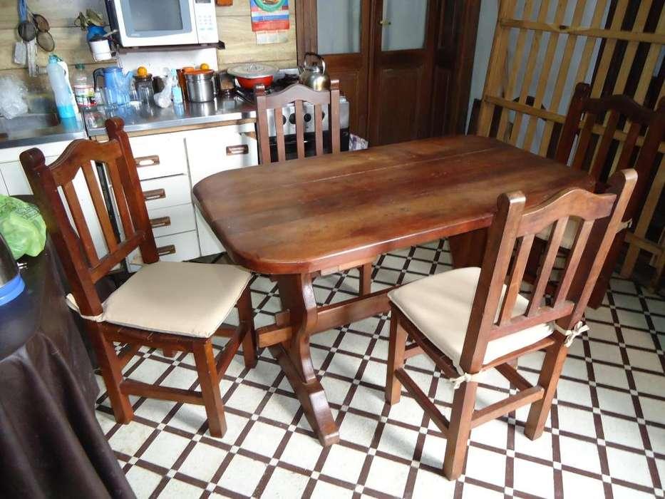 mesa de algarrobo 1.40x75 y 4 sillas