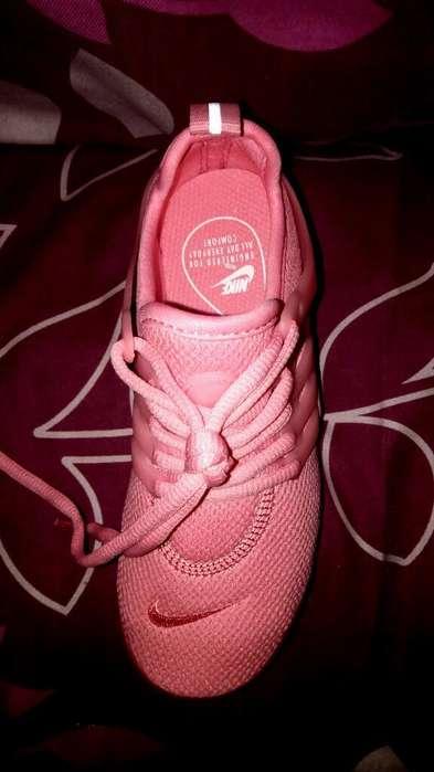 Nike Nuevos Importados Talla 32 de Niño