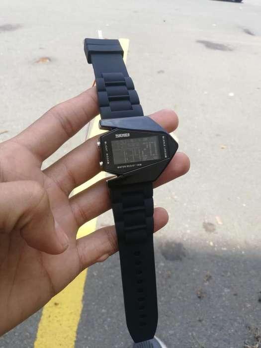 Vendo Reloj Skmei