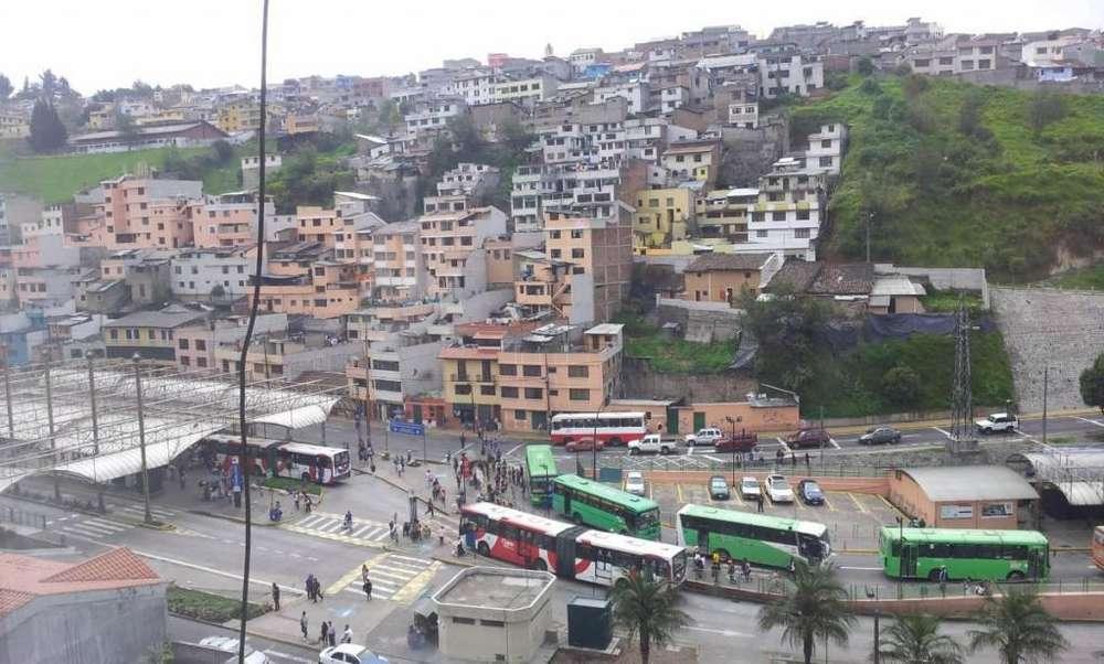 Venta Casa de Hormigón Centro Histórico de Quito, La Loma Grande