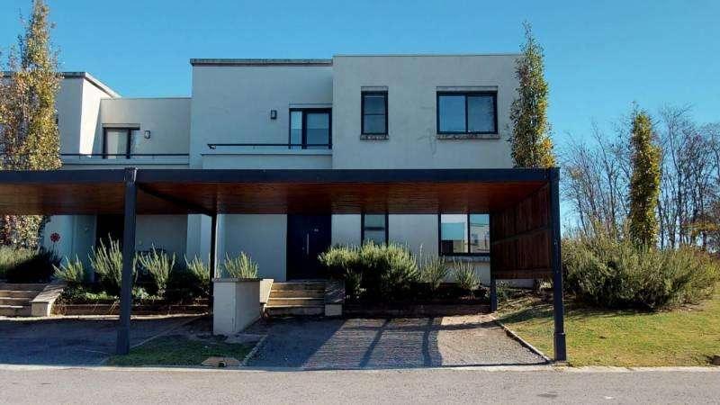 Excepcional duplex en venta en Estancias del Rio - Mallmann Propiedades