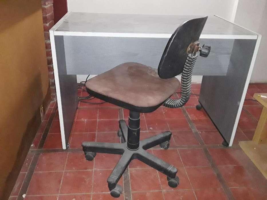 <strong>escritorio</strong> Y Silla