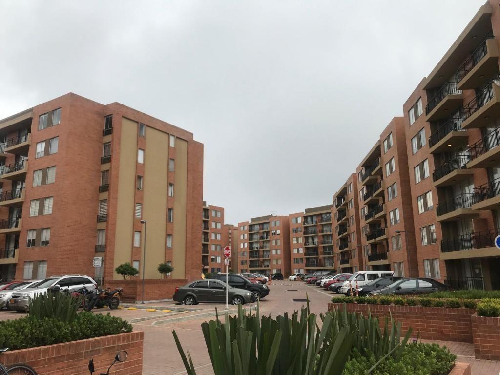 VENTA APARTAMENTO MADRID C/MARCA 63M2